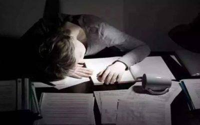 80%的数据人熬着夜做报告,却没时间找答案